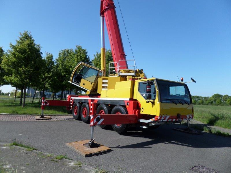 Liebherr LTM 1090- 4 (17)