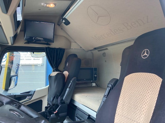 Mercedes Benz Actros 3351 6x4 (33)