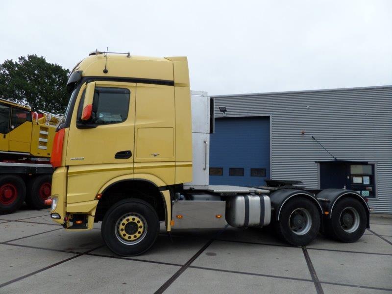 Mercedes Benz Arocs 3663 6x4 Heavy Haulage Tractor (4)