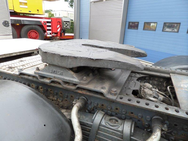 Mercedes Benz Arocs 3663 6x4 Heavy Haulage Tractor (7)